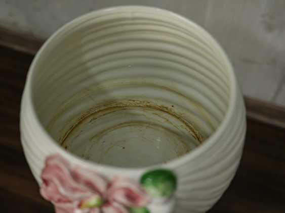 Vintage pots on a stand - photo 8