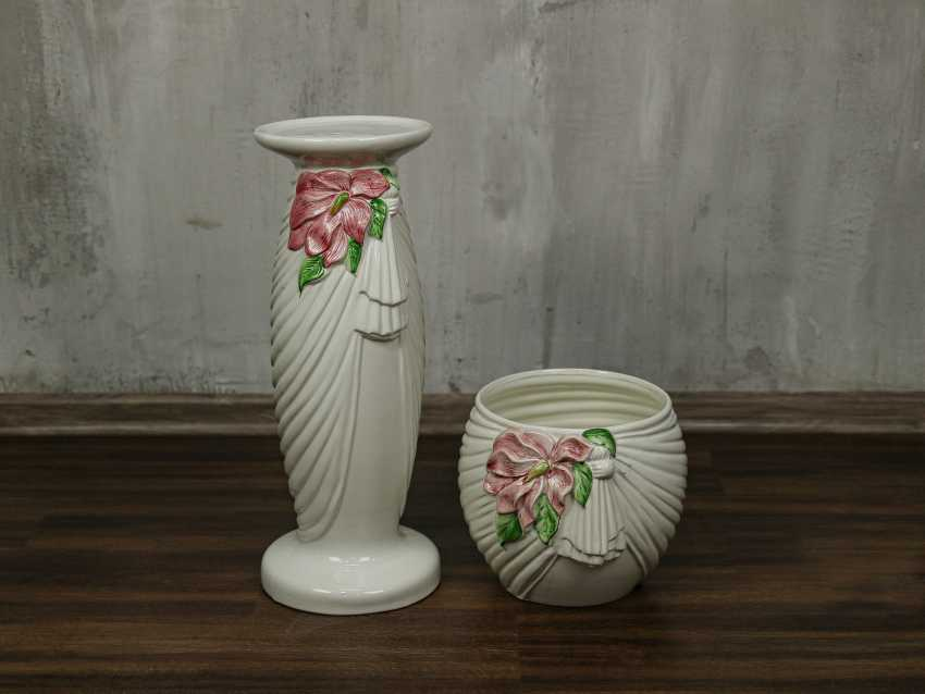 Vintage pots on a stand - photo 9
