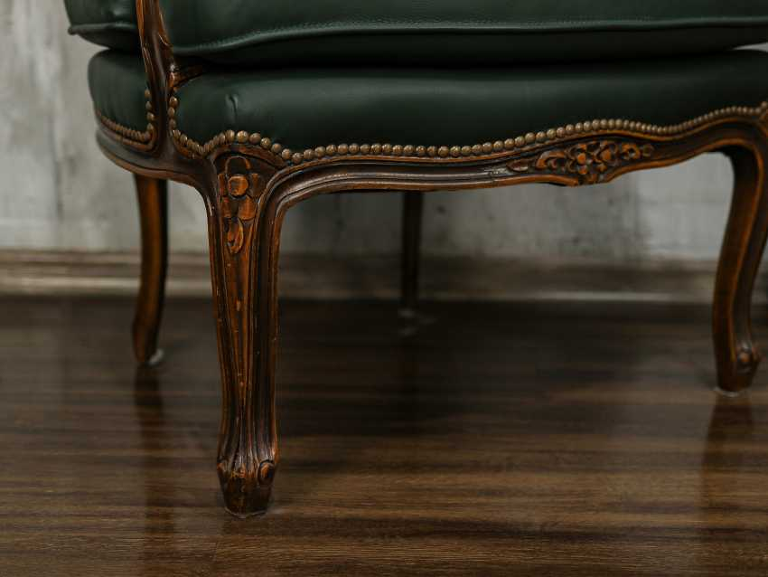 Pair of antique carved armchairs - photo 2