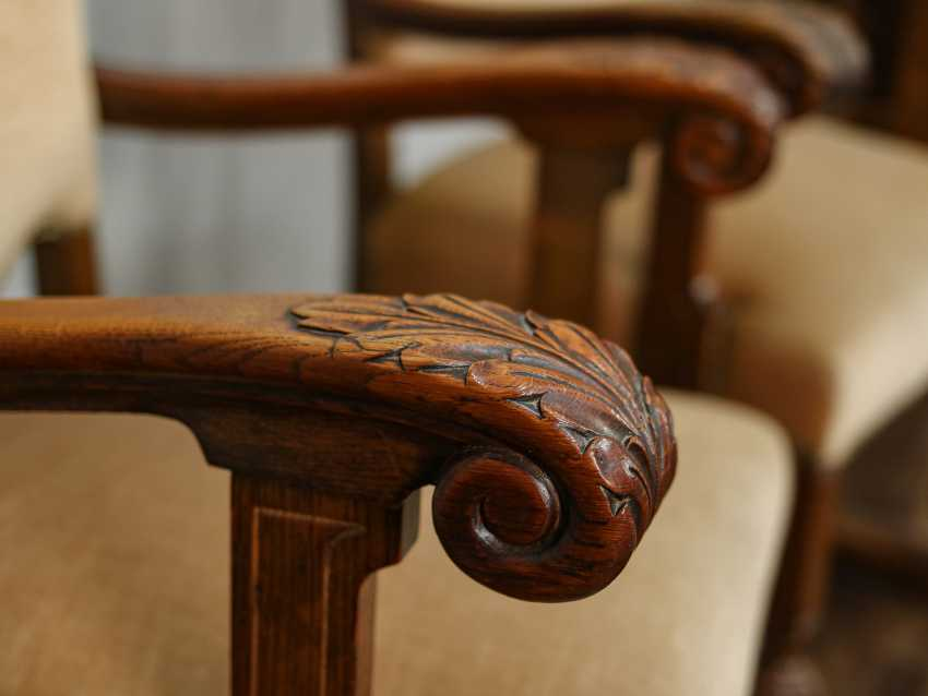 Pair of antique carved armchairs - photo 4