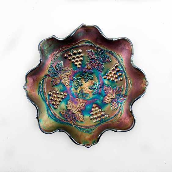 """Serving plate """"Grape and Cable"""". USA, Fenton, carnival glass, handmade, 1907-1920 - photo 1"""