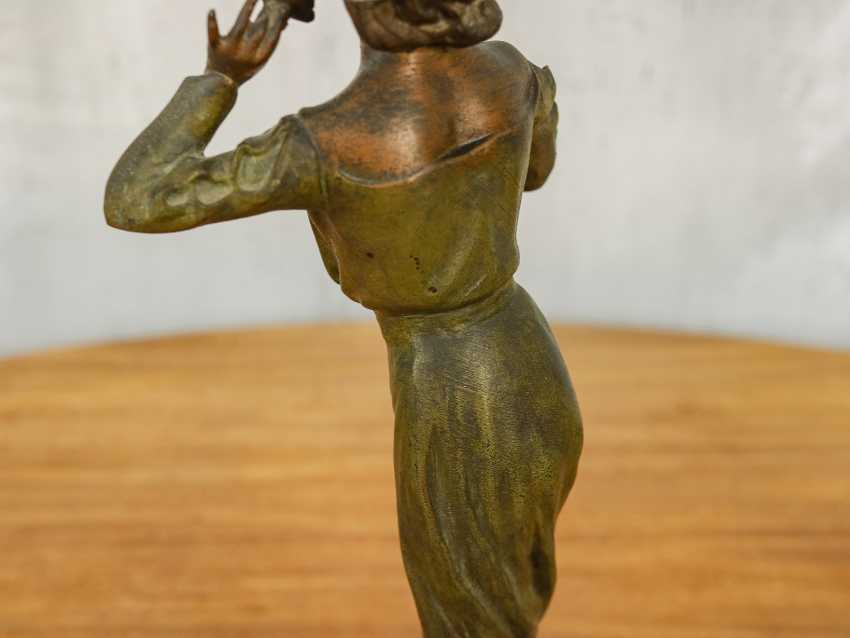 "Antique statuette ""Girl with a flower"" - photo 8"