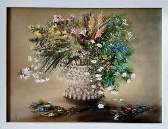 Alexandra Zhurkina. Bouquet in a vase - photo 1