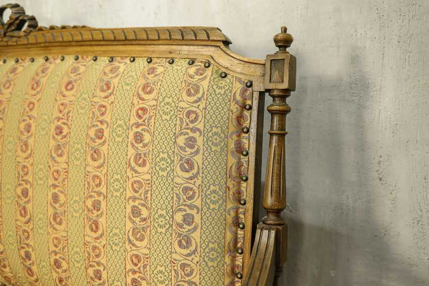 Antique carved sofa - photo 5