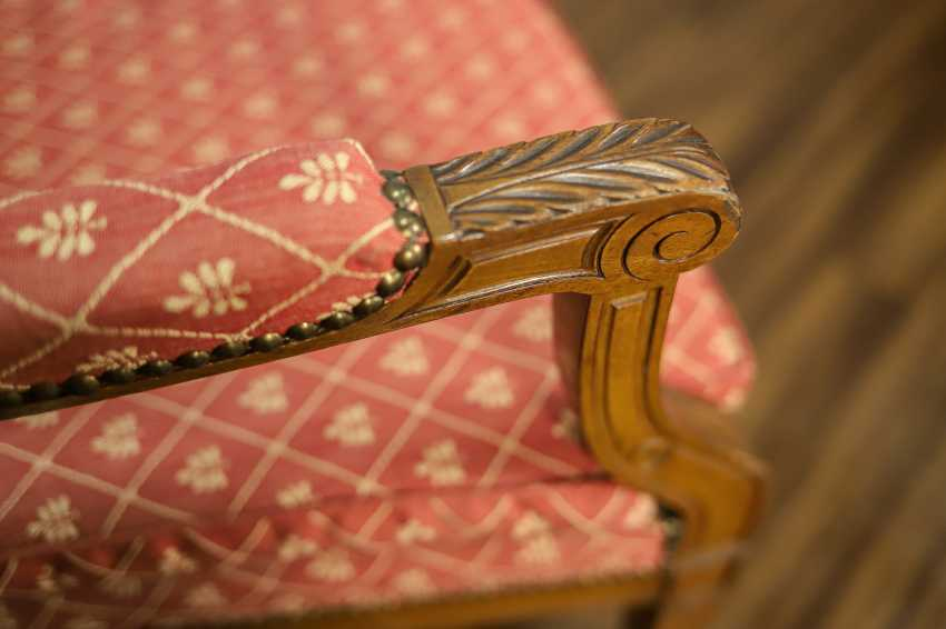 Antique armchair - photo 7