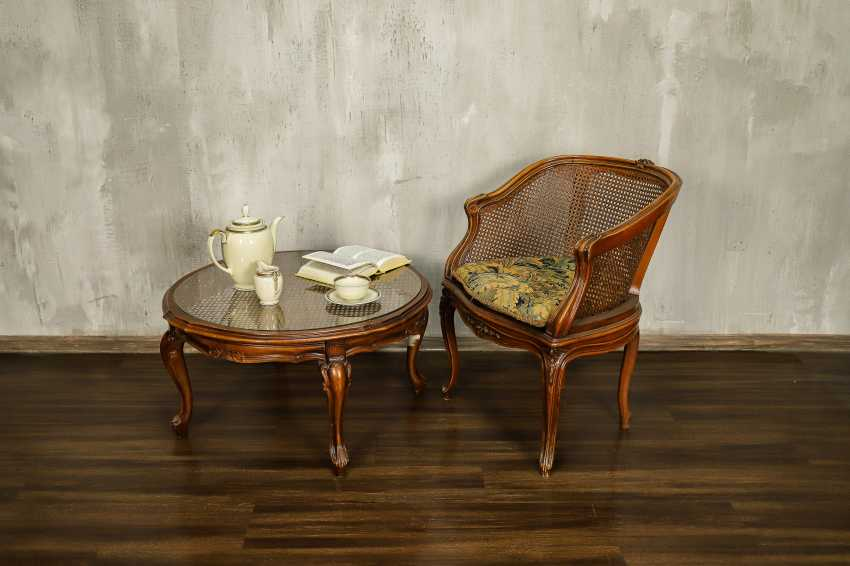 Antique table - photo 1