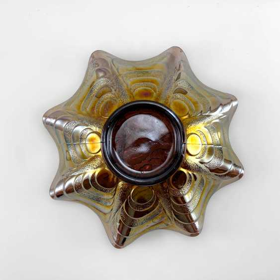 "Serving plate ""Pansy"". USA, Imperial, carnival glass, handmade, 1906-1920 - photo 3"