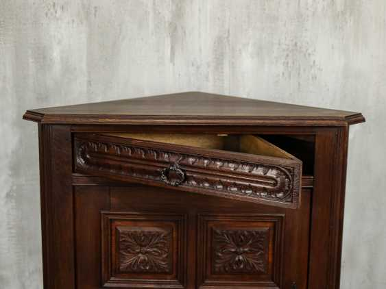 Antique Oak Corner Cabinet - photo 4