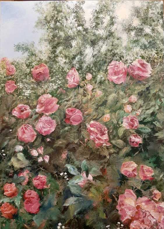 Alexandra Zhurkina. Roses in the garden - photo 1