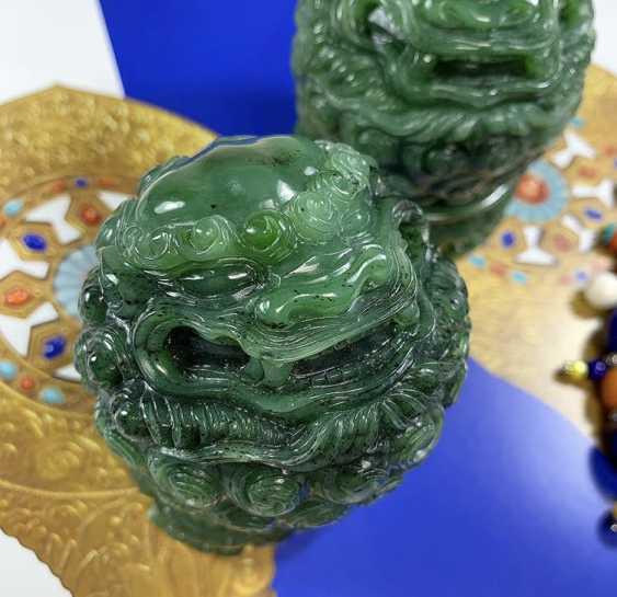Alexander Tatarov. Zwei Jadelöwen (Nephrit) - Foto 3