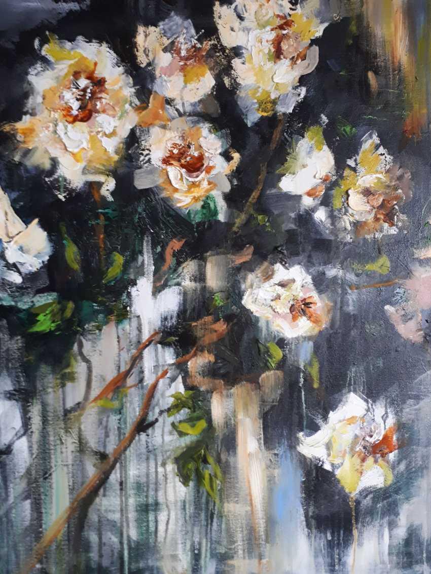 Oksana Shaliapina. White flowers - photo 1