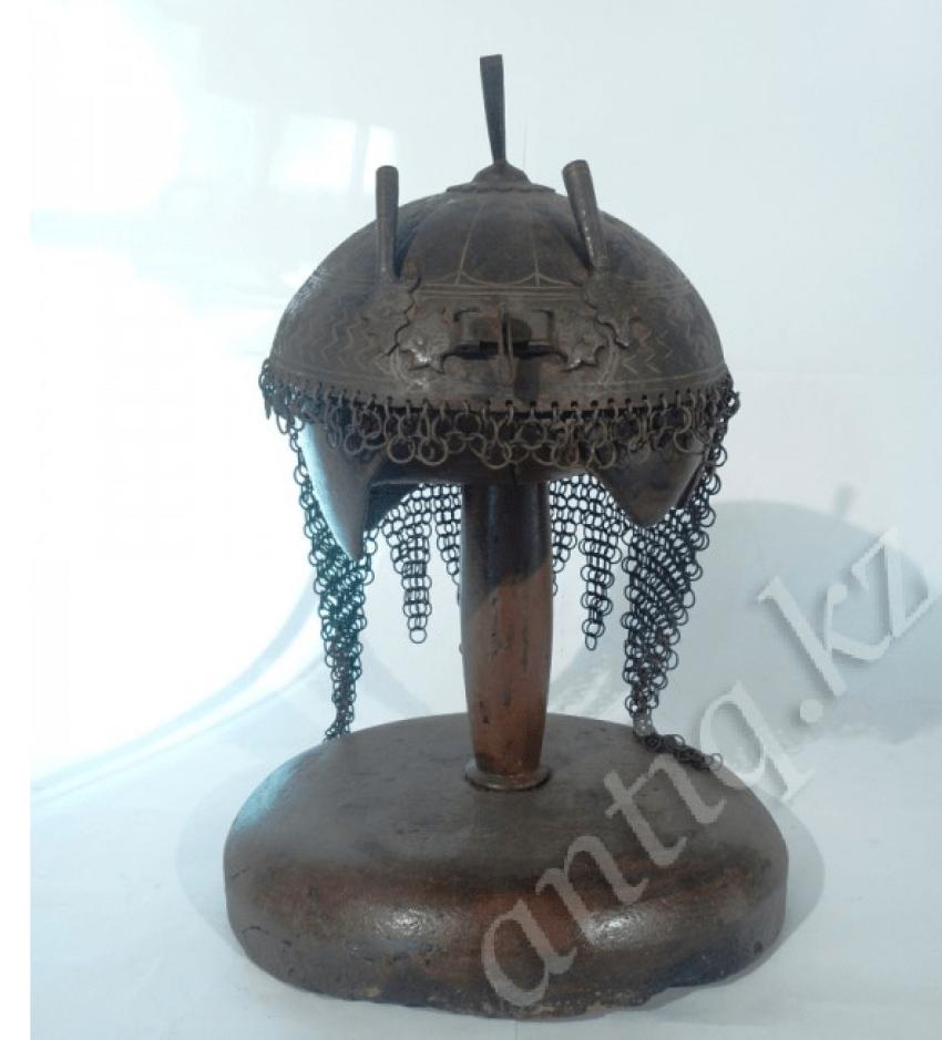 Helmet Persian warrior of the eighteenth century. - photo 2