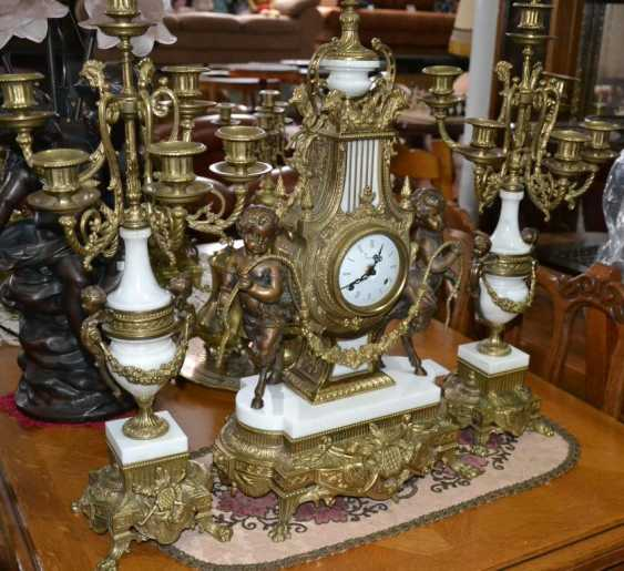 Mantel clock with satyrs - photo 1