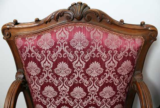 A set of chairs - photo 3