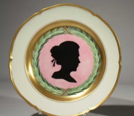 Pair of KPM plates 19th century - photo 2