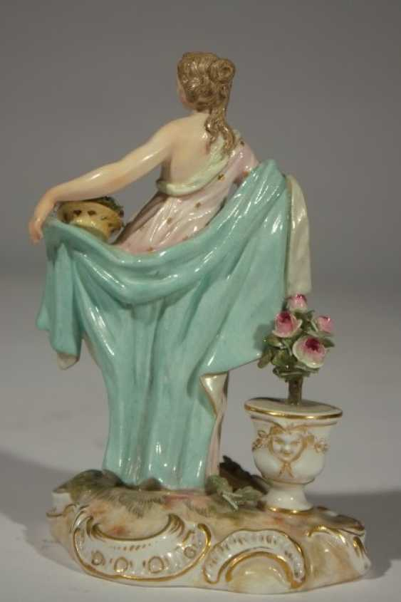 """Meissen """"Lady with flowers-19th century - photo 2"""