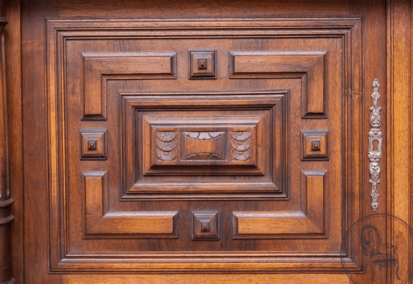 Antique cupboard of the NINETEENTH century, - photo 5