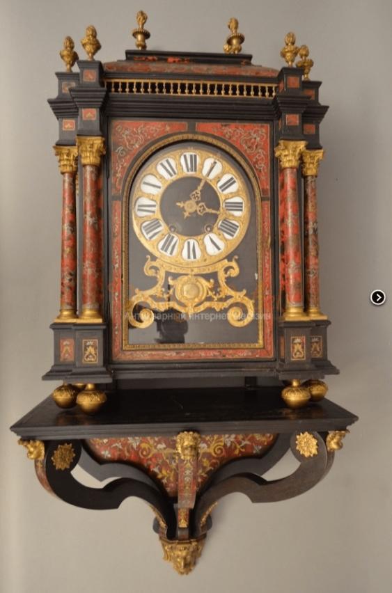 Wall clock 18th century. Bull - photo 1