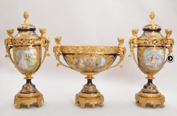 The set of three vases - photo 1