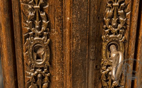 Antique bookcase - photo 4