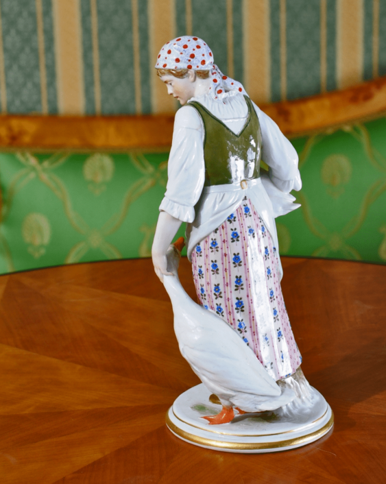 Meissen, Germany, beginning of XX century, the model of J. Ungerer - photo 2