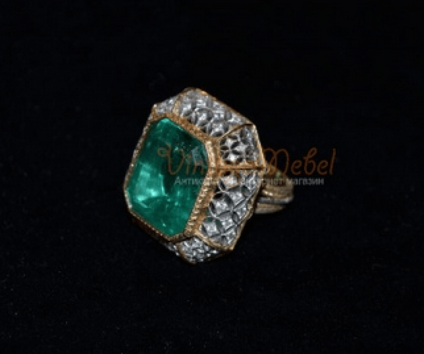 Vintage ring with emerald - photo 1