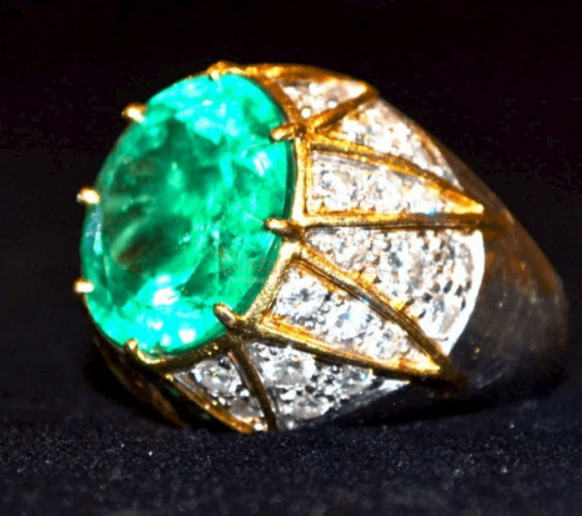 Vintage ring with emerald - photo 2
