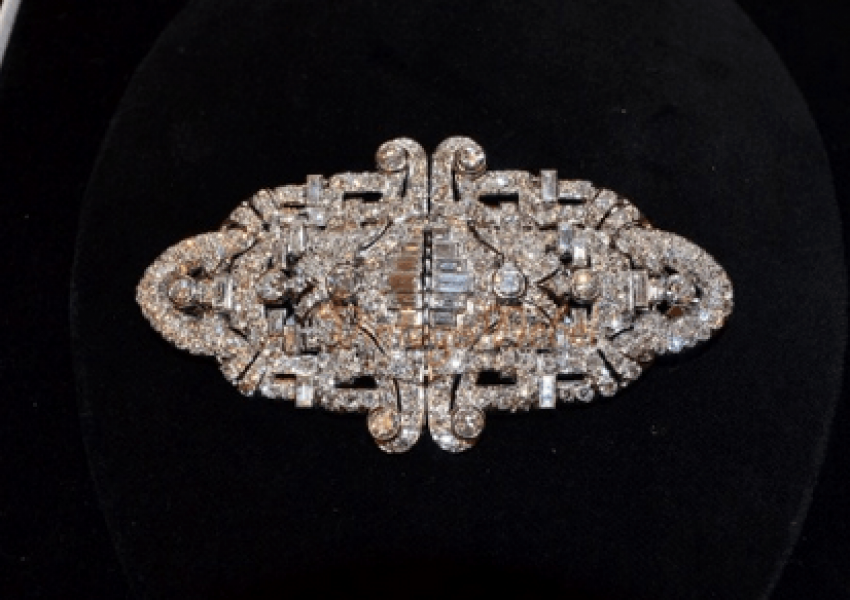 Vintage brooch with diamonds - photo 1