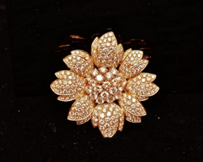 Vintage brooch with diamonds - photo 1