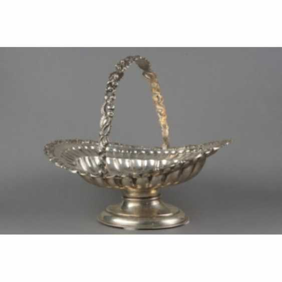 Fruit bowl in neo-Rococo style. England. - photo 1