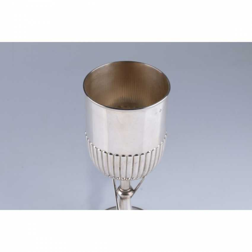 Cup with decoration in the form of a billiard cue and balls. England, London, 1893 Silver stamp. - photo 3