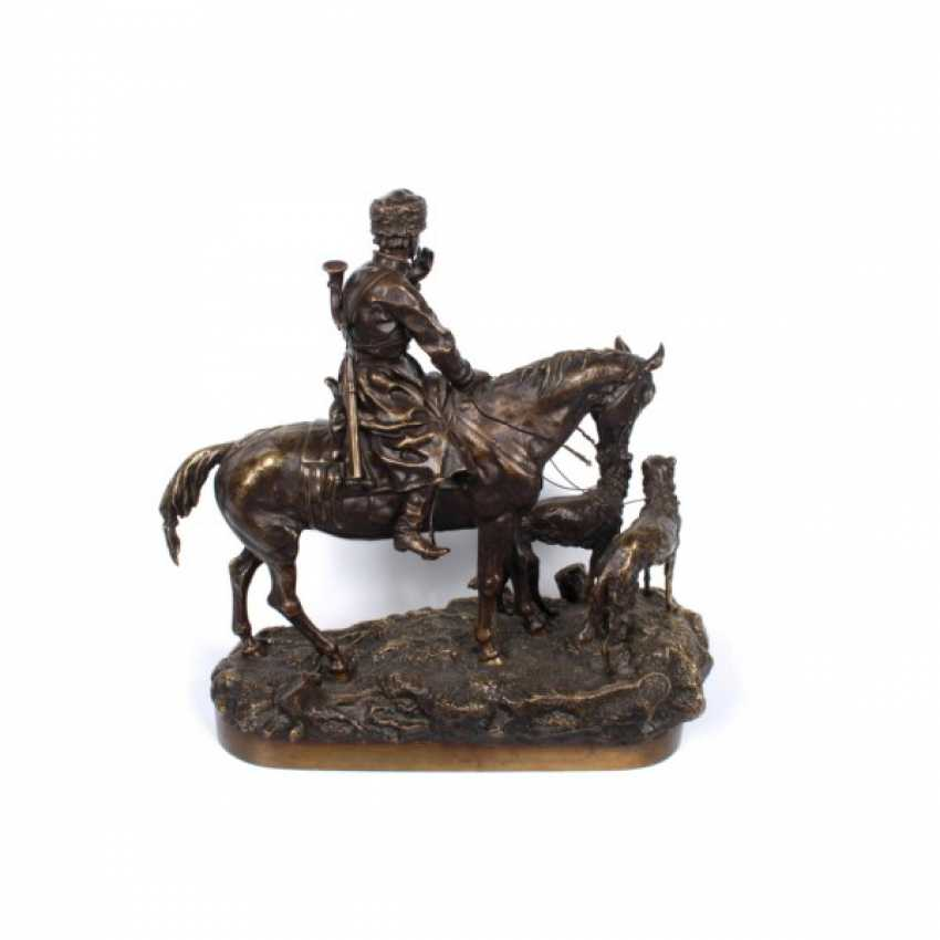 THE SCULPTURE'S RETURN FROM THE HUNT. RUSSIA, SAINT-PETERSBURG. ED. MOD. V. Y. GRACHEV. EXC. FACTORY K. F. VERFEL. A LATE 19th Century BRONZE. - photo 2
