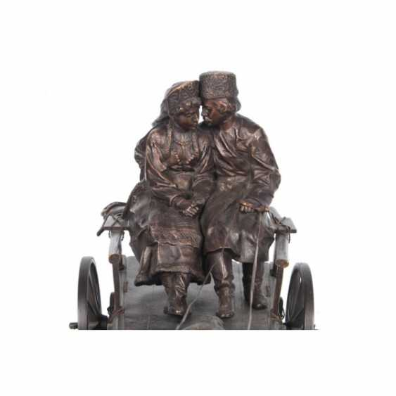 "THE SCULPTURE ""COUPLE IN THE CART"". RUSSIA. ED. MOD. WOLFF ALBERT MORITZ. NACH. 20th Century, BRONZE. - photo 3"