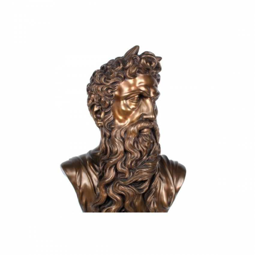 """THE SCULPTURE """"BUST OF MOSES."""" FRANCE, ED. MOD. MICHELANGELO, CASTING EARLY. 20th Century, BRONZE, STONE. - photo 4"""