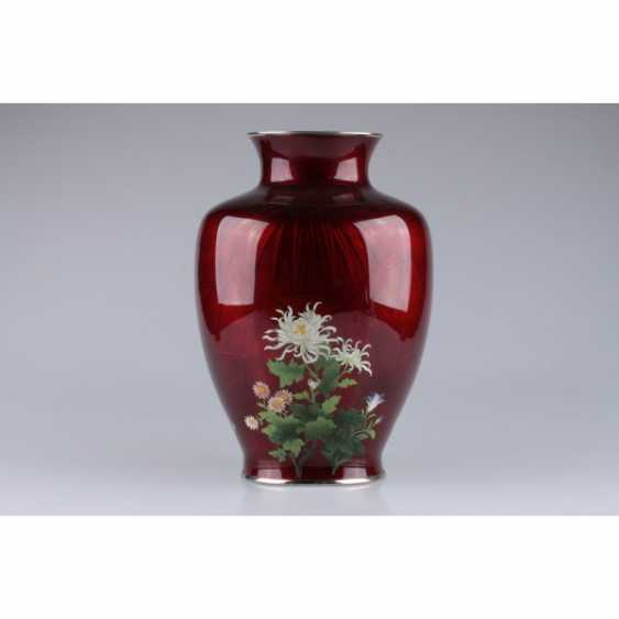 VASE WITH PICTURES OF FLOWERS. JAPAN. - photo 1