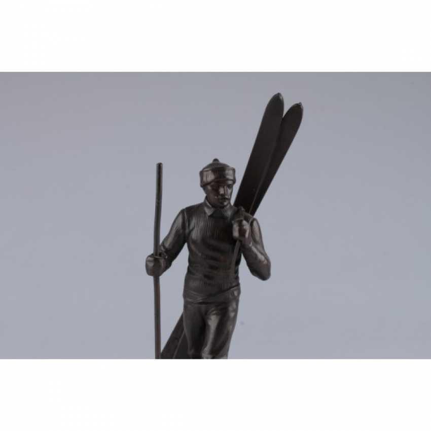 """THE SCULPTURE """"SKIER"""". FRANCE, PARIS, 1930S. BRONZE, MARBLE. - photo 3"""