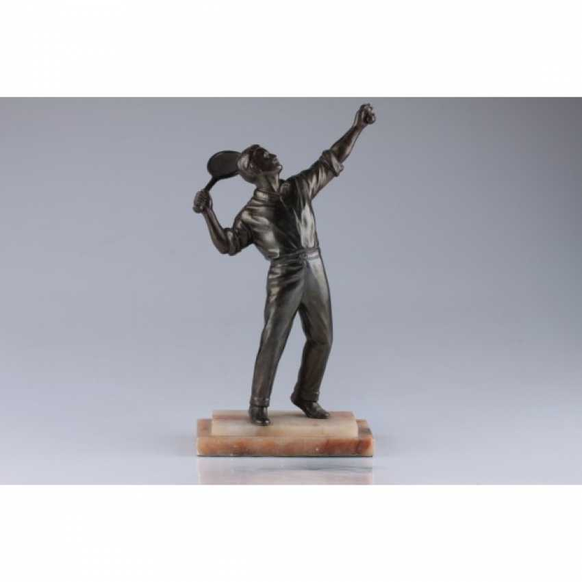 "LA SCULPTURE ""JOUEUR DE TENNIS"". FRANCE, PARIS, 1930. BRONZE, ONYX. - photo 1"