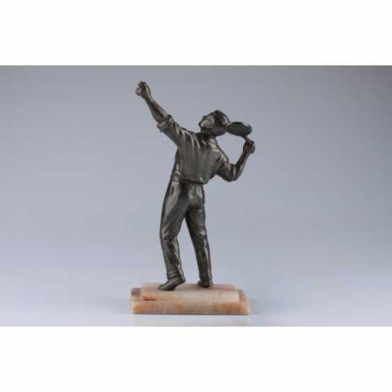 "LA SCULPTURE ""JOUEUR DE TENNIS"". FRANCE, PARIS, 1930. BRONZE, ONYX. - photo 2"