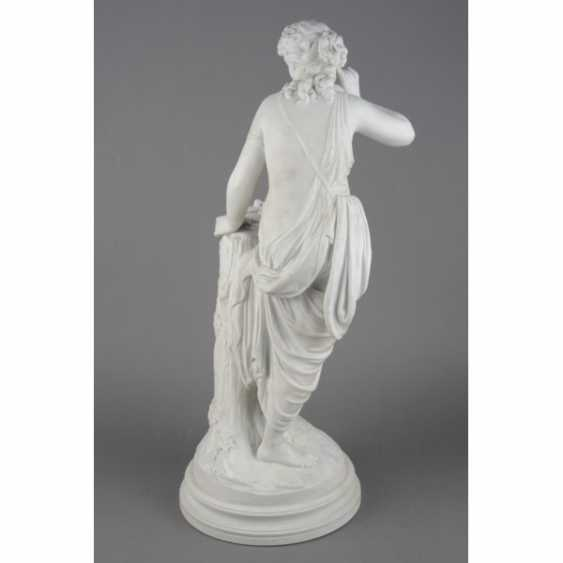 "THE SCULPTURE ""GIRL WITH BIRD NEST"". RUSSIA, IMPERIAL PORCELAIN FACTORY, MODEL AUGUST SPIES, CON. 19th Century - photo 4"