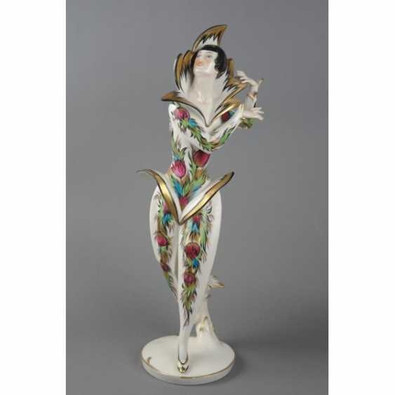 "THE STATUETTE ""BALLERINA CLOTILDE SAKHAROV IN THE COSTUME OF THE FIREBIRD"". GERMANY, SCHWARZBURGER. - photo 1"