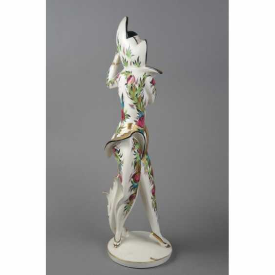 "THE STATUETTE ""BALLERINA CLOTILDE SAKHAROV IN THE COSTUME OF THE FIREBIRD"". GERMANY, SCHWARZBURGER. - photo 3"