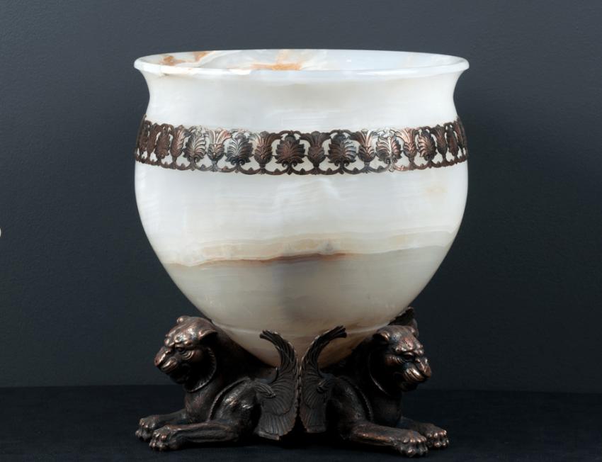 """Hayk Mkhitaryan - """"Vase"""" - Onyx, - photo 1"""