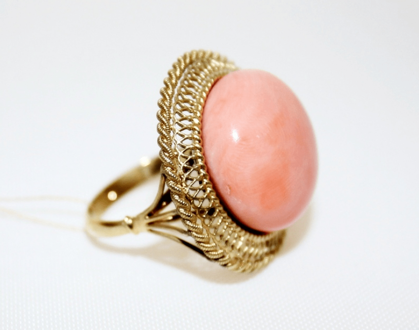 Ring with coral - photo 1