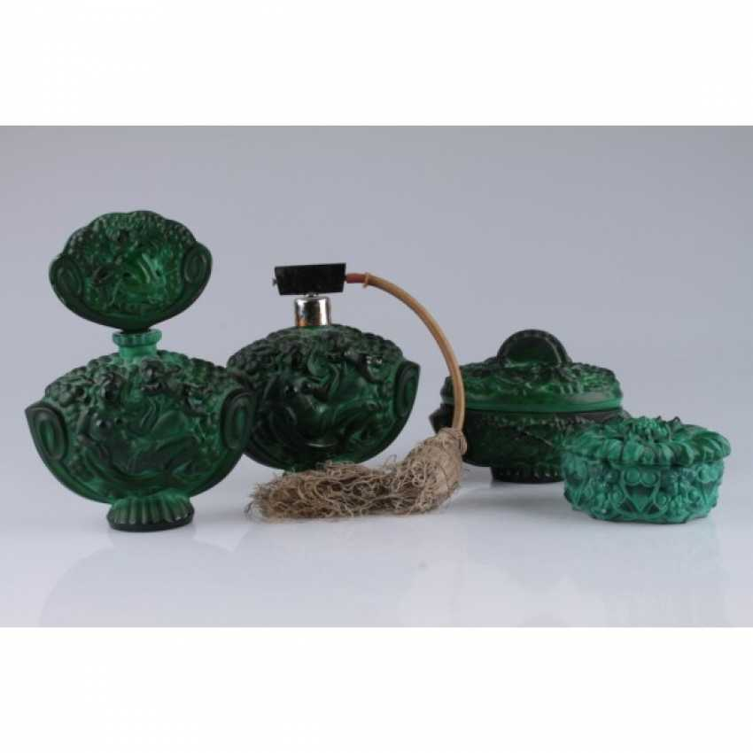 SET FOR THE LADIES ' (4 SUBJECTS).CZECH REPUBLIC, BOHEMIA, 1940-IES. COLORED GLASS (MALACHITE). - photo 1