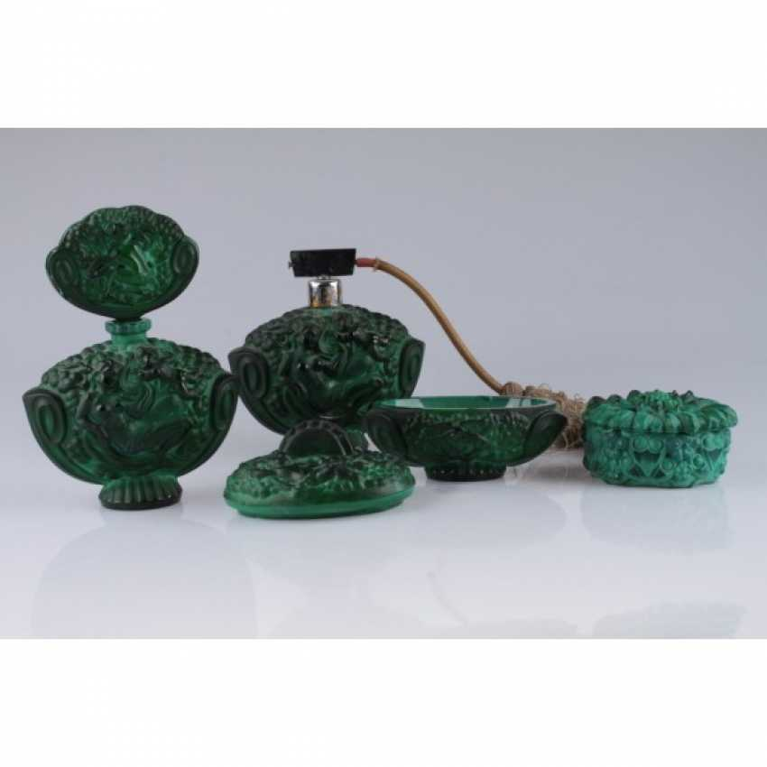 SET FOR THE LADIES ' (4 SUBJECTS).CZECH REPUBLIC, BOHEMIA, 1940-IES. COLORED GLASS (MALACHITE). - photo 2