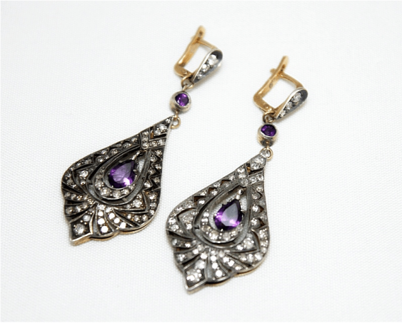 Earrings with diamonds and amethysts - photo 1
