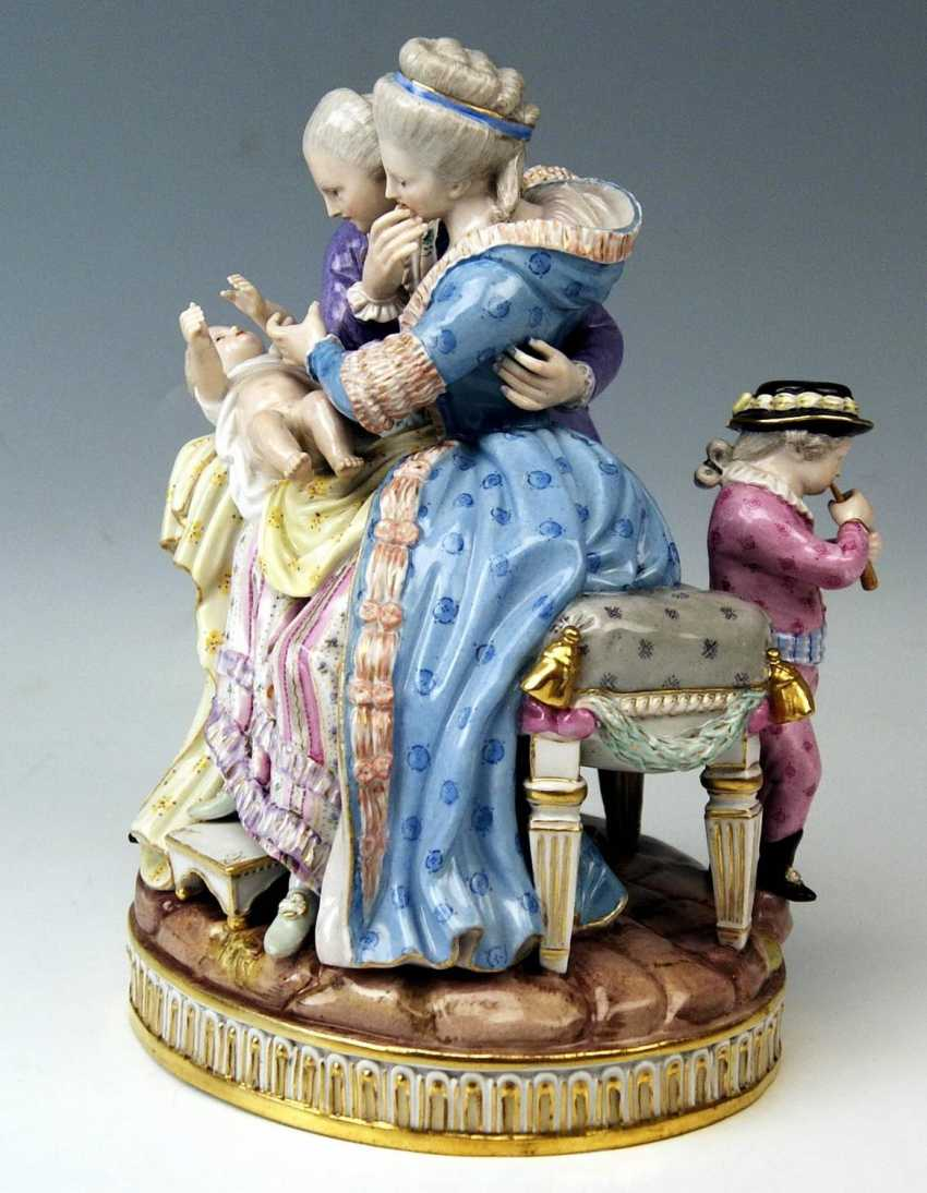 MEISSEN FIGURE GROUP: THE HAPPY PARENTS - photo 2