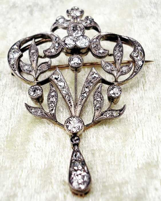 ART NOUVEAU BROOCH WITH NUMEROUS OLD EUROPEAN CUT DIAMONDS - photo 2