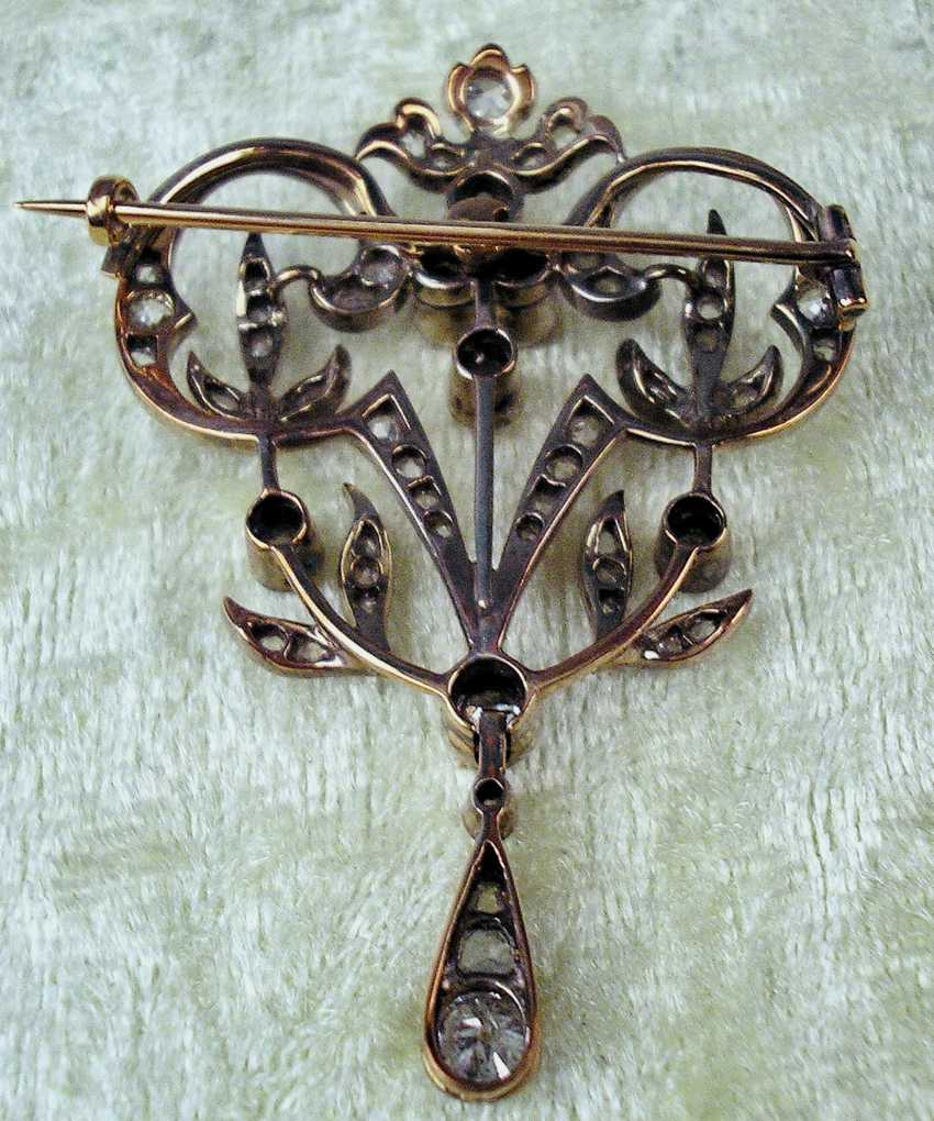 ART NOUVEAU BROOCH WITH NUMEROUS OLD EUROPEAN CUT DIAMONDS - photo 3