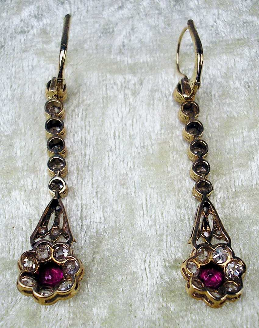 ART NOUVEAU DROP EARRINGS WITH NUMEROUS BRILLIANT-CUT DIAMONDS AND WITH A RUBY OCCUPIED - photo 4